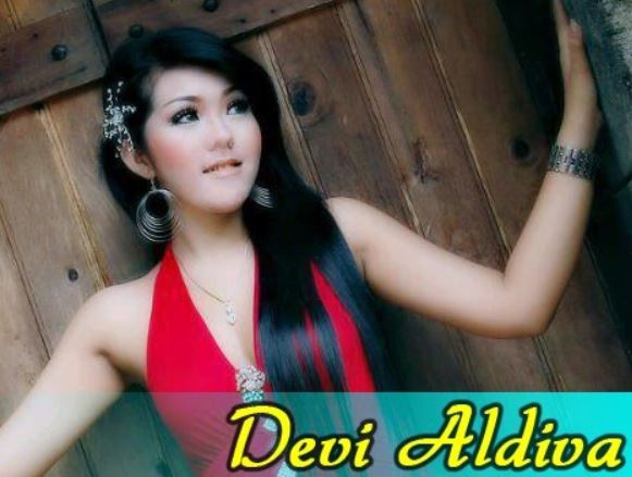 Cover Album Devi Aldiva